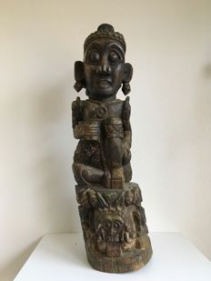 Large wooden sculpture of a woman - Bali - late 19th century (74 cm)