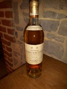 1954 Chateau Laville Haut Brion Blanc, Graves Grand Cru Classé - 1 bottle 75cl.