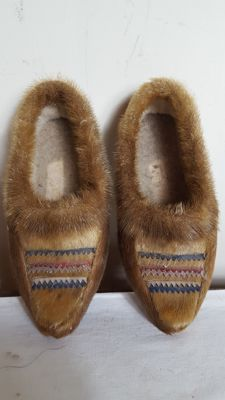 Mocassins with fur - INUIT - Canada