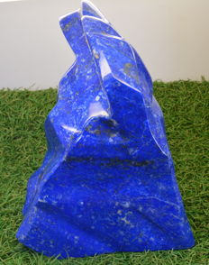Large Top Blue Lapis Lazuli Sculpture - 202 x 134 x 75 mm - 3100 gm