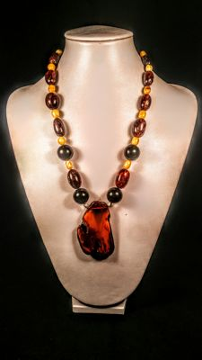 Vintage modified Baltic Amber necklace, egg yolk & cognac colours, 23 grams