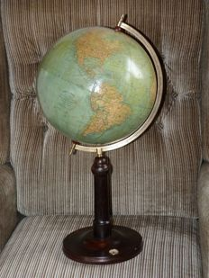 Large 32cm globe Wagner and Debes