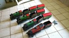 Hornby, France - Scale 0 - Lot of 4 tin Locomotives and carriages, 50s
