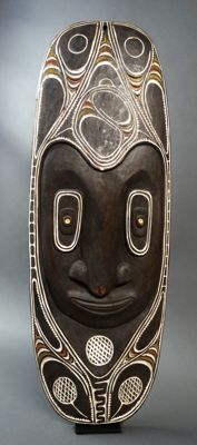 Large Wall mask - Chambri Lake - Papua New-Guinea