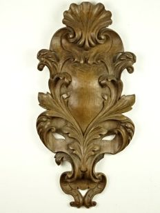 Large oak wall ornament with carving of seed beads and shell - France - 19th century