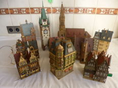 Faller/Vollmer/Kibri H0 - Set of 11 town houses/buildings with lights
