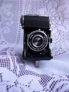 Balda Baldalette folding camera -- Vintage -- with Schneider-Kreuznach Radionar 1 : 2.9/ 50 lens - from the year 1951 - West Germany