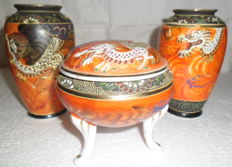 "Old covered dish on three feet and 2 hand-painted vases - marked ""Nihon tokusei"" - Japan - circa 1930s"