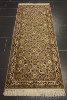 Gorgeous hand-knotted Indo Bidjar runner 85 x 200 cm, made in India