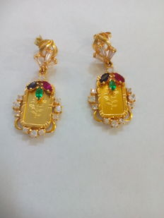 Earrings - 18 kt yellow gold