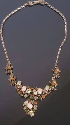 Rare Beautiful Vintage HOLLYCRAFT necklace from 1951