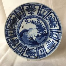 Blue porcelain plate with a cricket in landscape  - China - ca. 1600 ( Wanli )