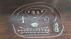 Lot of vintage and modern jewellery in silver