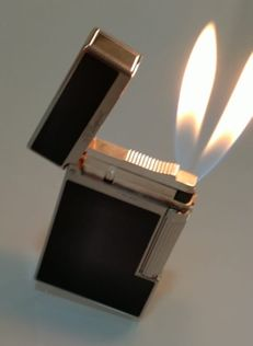 Dupont lighter. DOUBLE FLAME Chinese lacquer. Year 2000