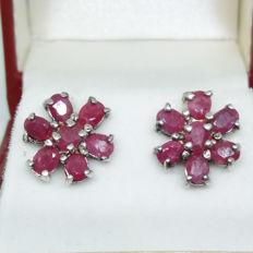 A Pair of Stunning Vintage Sterling Silver Natural Blood Red Ruby Earrings