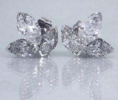 Exclusive & artisanal earrings in vintage style, decorated with 6 large important cut diamonds, approx. 4.00 ct in total