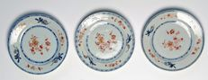 3 x Blue and Iron-Red Plates (Ex Bonhams) - China - ca. 1750