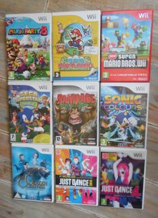 Lot off 9 Wii games in box complete with manual. Games like Super Mario Bros + Mario Party 8 + Super Paper Mario and more