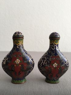 two cloisonné snuff bottles  –– china ––first half 20th  century