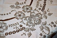 Linen banquet tablecloth (3mx1,70m) all hand embroidered from Madeira Island - Portugal - 50s/60s