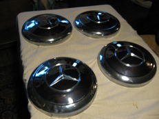 Mercedes Ponton --W108/109/110/111 - chrome Hubcaps