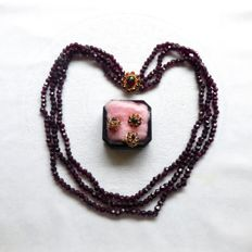 3-strand garnet necklace set