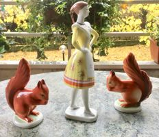 Hollohaza 3 figurines -  Buják Dancer + 2 red squirrels