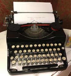 Beautiful Typewriter Adler Model 32  with new ribbon and case