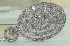 18 kt white gold necklace and pendant set with 300 diamonds approx. 5.80 ct *** NO RESERVE PRICE ***