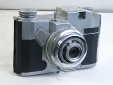 CMF BENCINI KOROLL, 6x6cm viewfinder cast aluminum camera, made in Italy, ca. 1955.