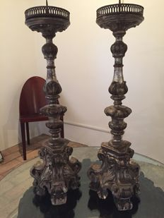 Pair of wooden candlesticks - Baroque style - Italy - 18th century