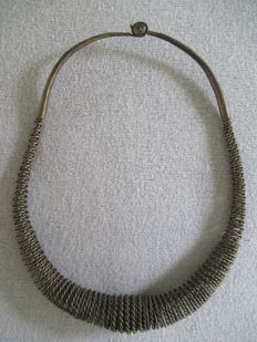 "Old Silver ""Headhunters"" necklace, ""Niftali-Tali"", North Sumatra, Indonesia – low Silver content"