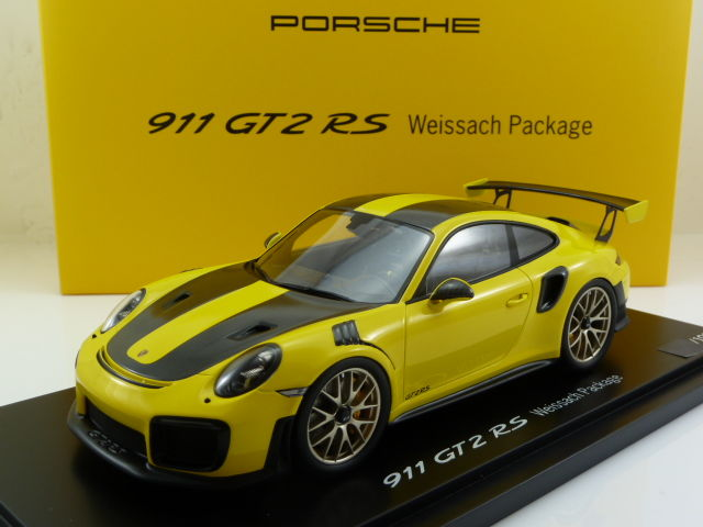 Spark Porsche Industry - Scale 1/18 - Porsche 911 (991 II) GT2 RS Weissach Package - 2017 - Yellow