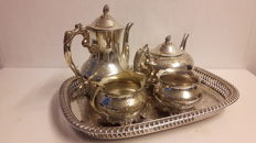 5 pieces silver plate coffee and tea set - England - Early 20th century.