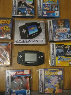 Boxed Gameboy Advance including 8 boxed original advance games, most of them are complete+ booklet.