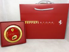 Ferrari - paperweight - diameter 9 cm thickness 1 cm - 2007