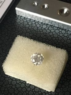 Beautiful natural diamond - 0.90 ct - White - Brilliant cut