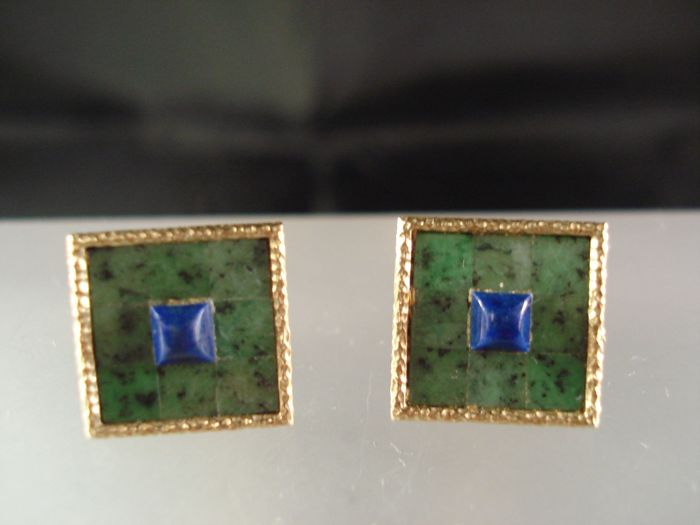 Handmade earrings made of 14 kt gold with Chinese jade and lapis lazuli