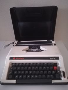 Portable typewriter - special Olympiette