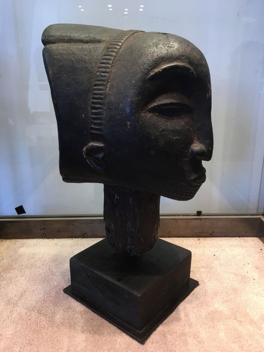 Very nice large head carved in wood - LUBA - Former Belgian Congo