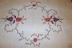 All hand embroidered tablecloth from Viana do Castelo (1,80m x 1,35m) - Portugal - 50s/60s