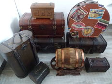Collection of 9 different wooden (wine) cases/boxes/wine barrel finished with leather straps and brass/copper