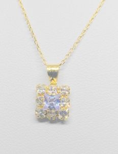 45 cm chain with pendant in 18 kt yellow gold – Zirconias