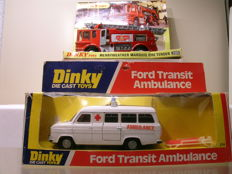 Dinky Toys - Scale 1/43 - Lot with Merryweather Marquis Fire Tender No.285 and - Ford Transit Ambulance + Brancard - No.274