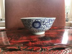 Blue and white, porcelain bowl - China - 16th century (Ming dynasty)