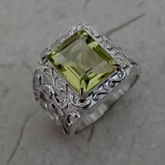 6.5cts Lemon Quartz European Ring with 14kt Gold Prongs