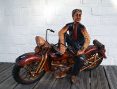 Man on Harley Davidson - model Panhead - Springer front fork - polystone - metal spokes and rims - original rubber tyres