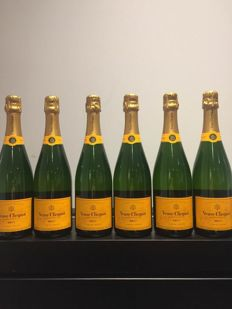Veuve Clicquot Yellow Label Brut - 6 bottles (75cl)
