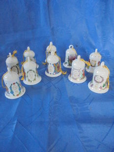10 Collector's Christmas Bells Hutschenreuther Porcelain from 1993-2002 With many Christmas pictures