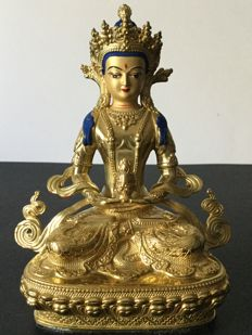 Depiction of the Amitabha Buddha in copper with gold patina - Nepal - Early 21st century.